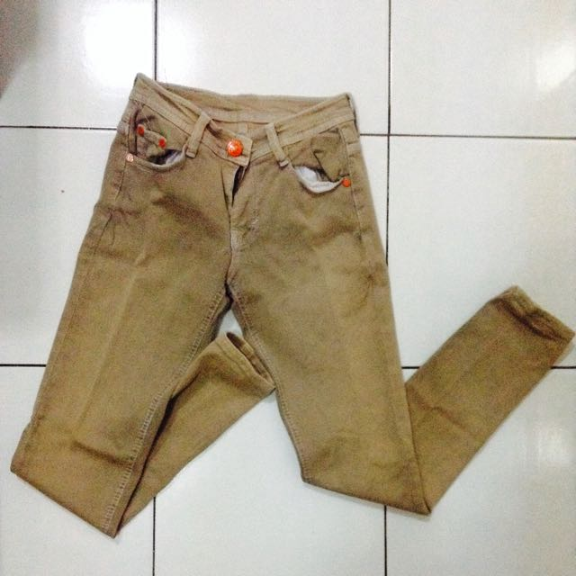 BROWN JEANS