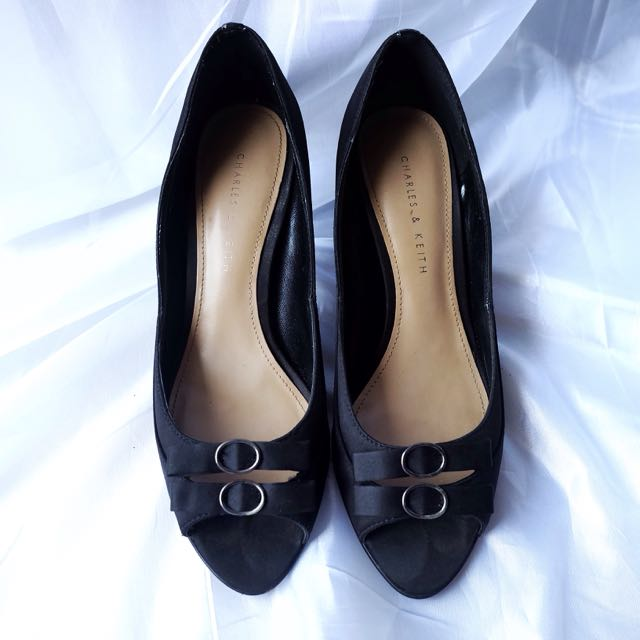 Charles & Keith Kitten Heels - Black size 37