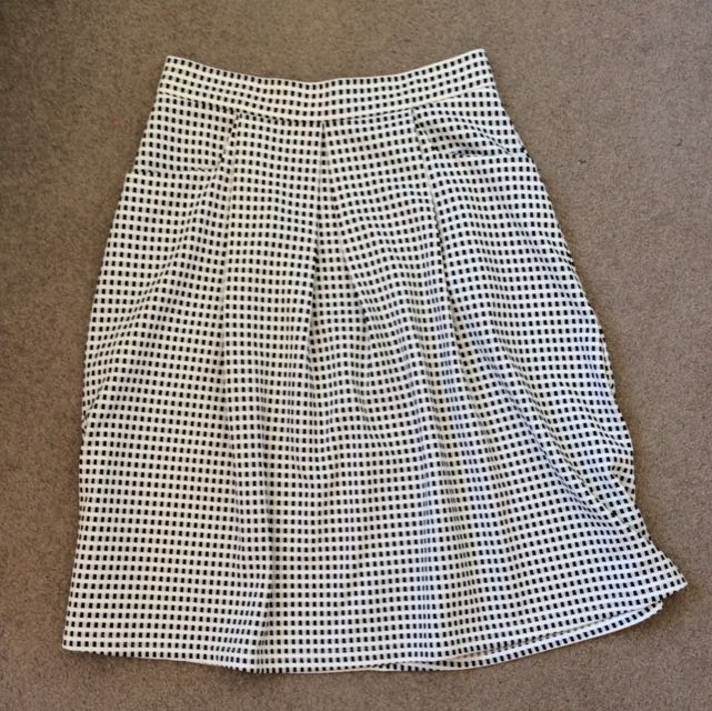 Check Skirt Size 8-10 With Pockets