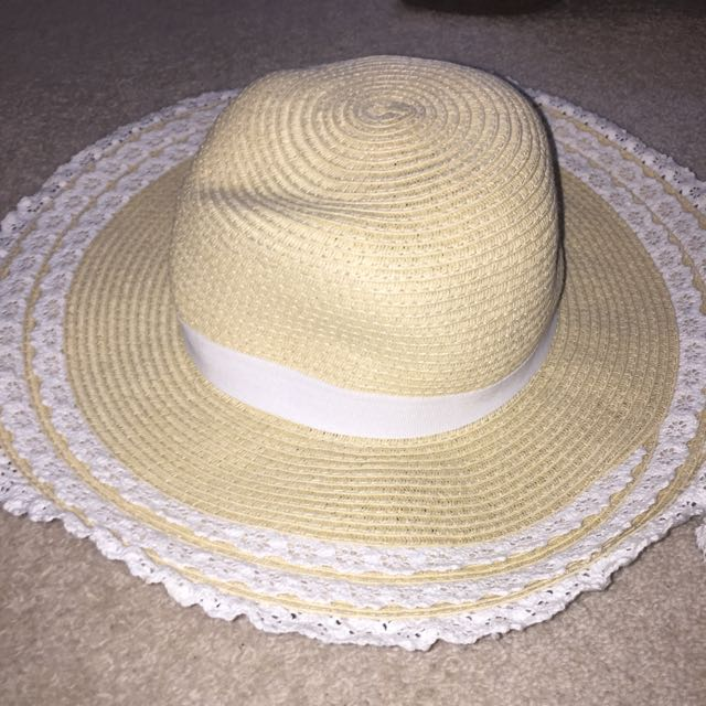 Forever New Straw Floral Hat