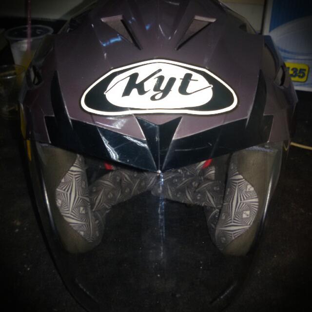 Helm Half Face KYT