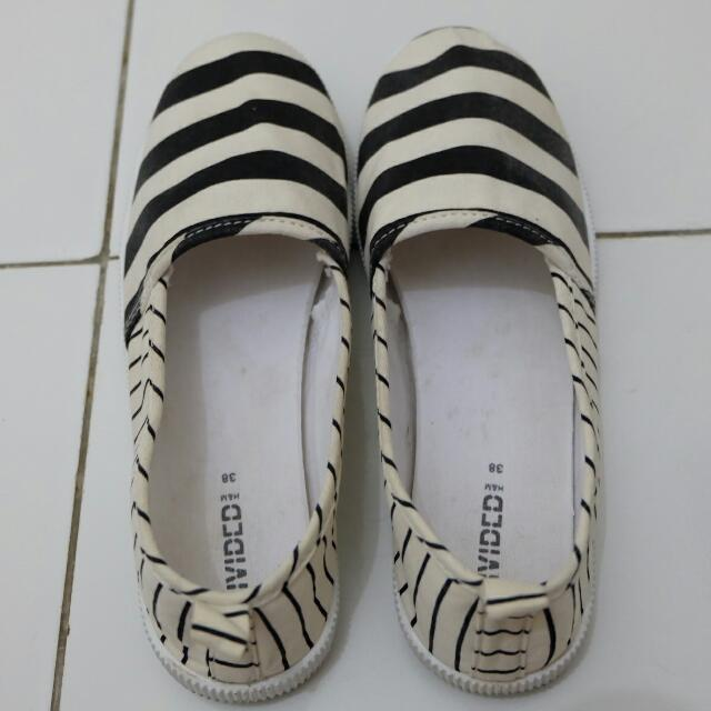 REPRICE!!! H&M DEVIDED SHOES