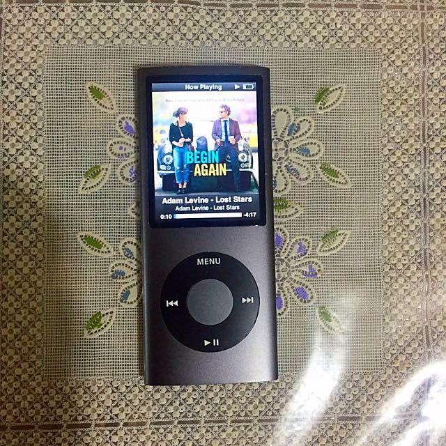 iPod nano 4th Gen 8 gb