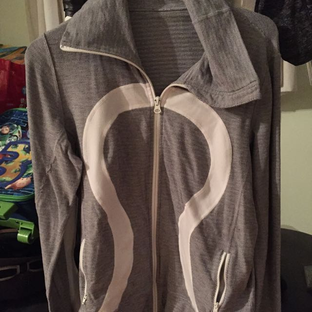 LULulemon Sweater Size12