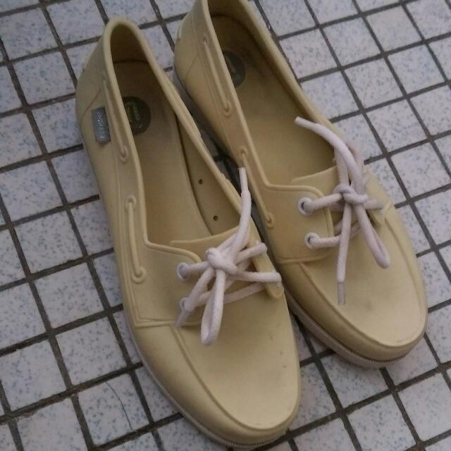MELISSA - pale yellow water resistant shoes (EURO 37)
