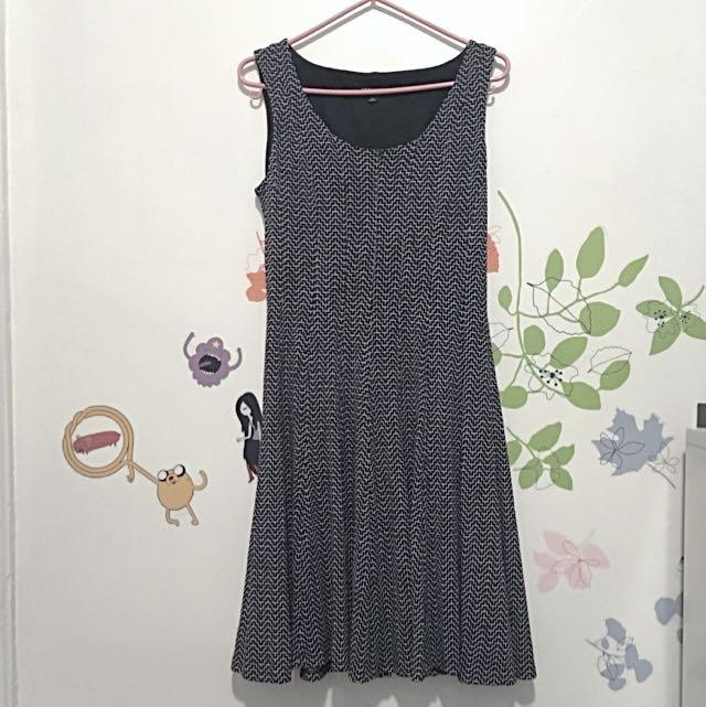 NINE WEST, sz 6 // Fully-Lined Geometric Flared Dress