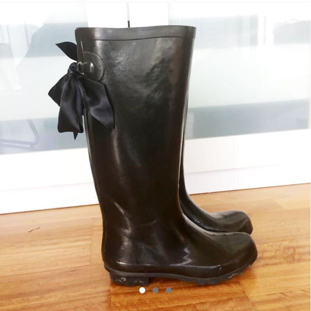 Rainboots Bow Detail (size 7)