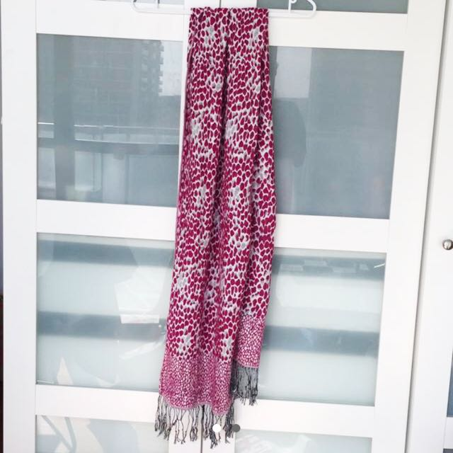 Reversible Pink White Scarf