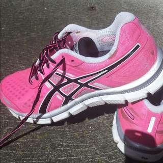 On HOLD Asics Gel-Blur 33 Running Shoes