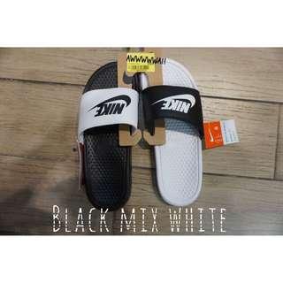 Nike ✔️ 黑白陰陽拖