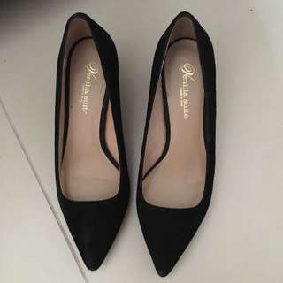 Venilla Suite Shoes Size 35