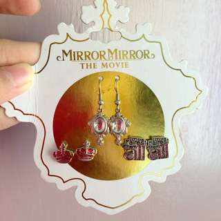 Claire's :Mirror Mirror Disney Movie Themed Earrings Set