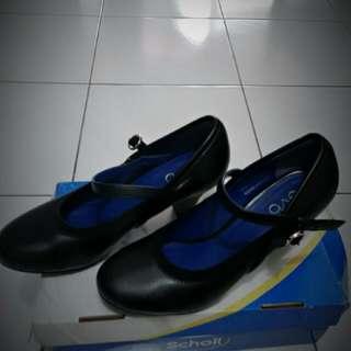 Sepatu Evb
