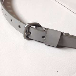 UNIQLO Skinny Leather Belt (Grey)