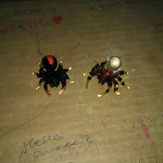 Mini Glass Spiders