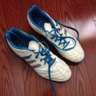 Women's Adidas Soccer Cleats Size 9