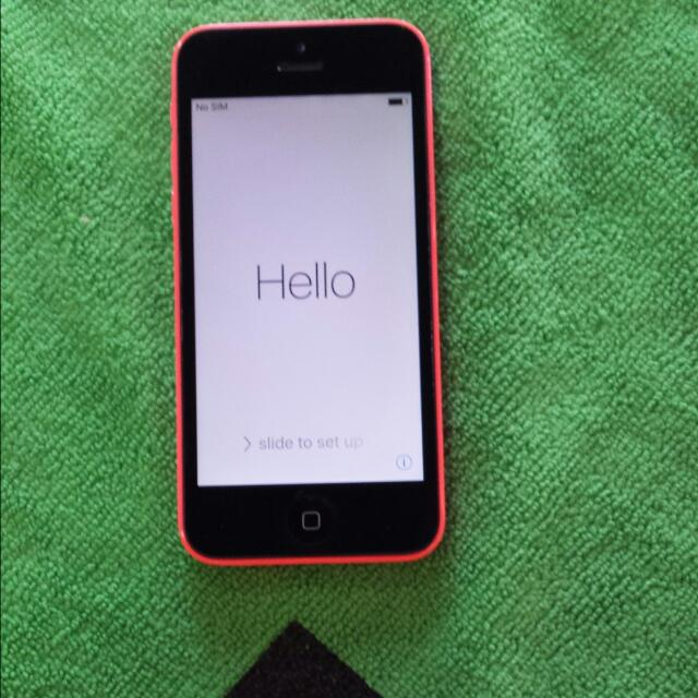 AT&T IPHONE 5C 16 GB!!