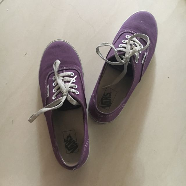 Authentic vans Sneakers (size 6 US)