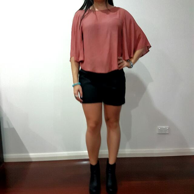 Size M Bell Long Sleeve Top