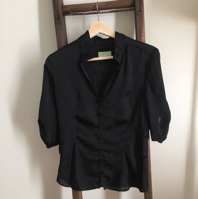 Black Review Top Blouse