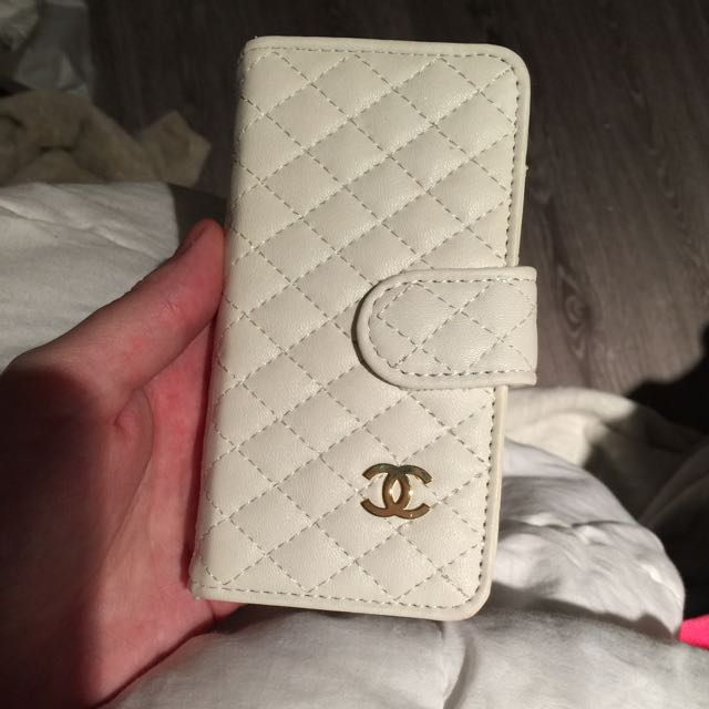 Chanel Iphone 5 Wallet Case
