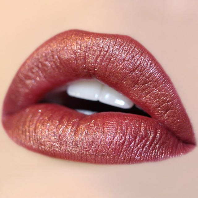 COLOURPOP METALLIC LIP in KWEEN