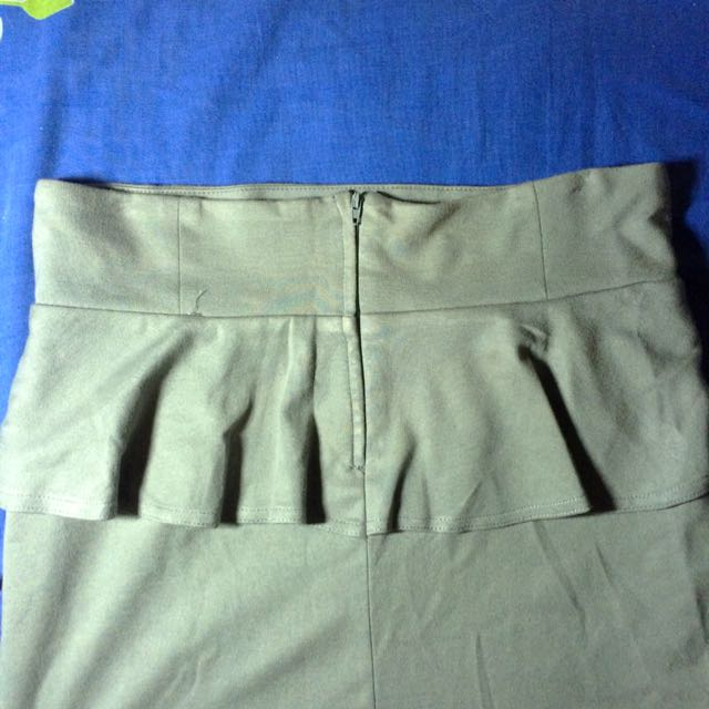 Cotton On Gray preplum skirt