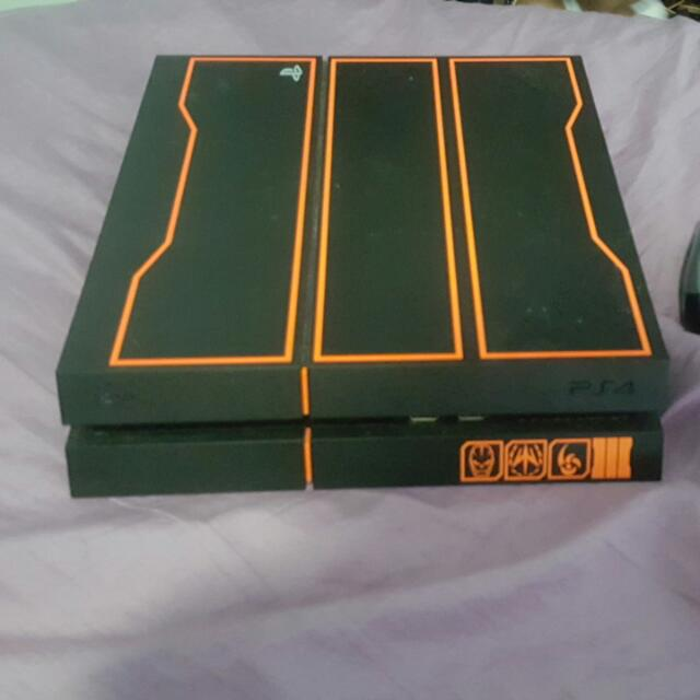 PlayStation 4 Limited Edition With 1 Terabyte