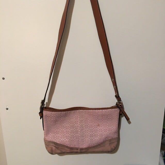 ✂️Coach Sling Bag
