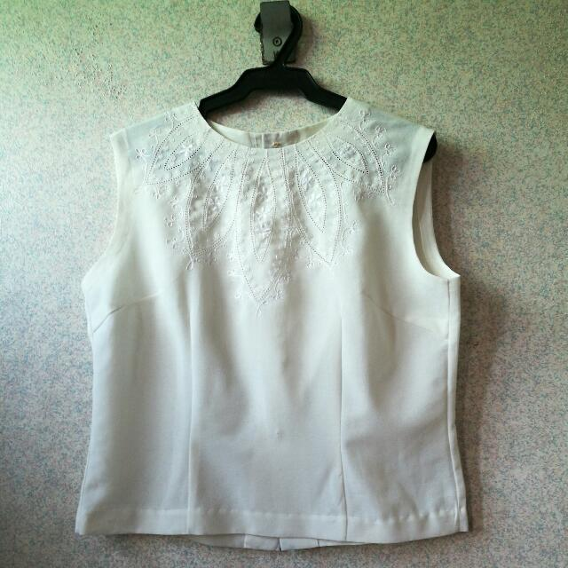 Sleeveless Off white