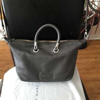 Marc Jacobs Body Bag Convertible To Hand Bag