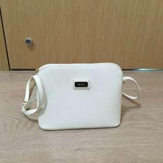 Perllini Sling Bag