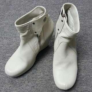 100%real  Rick Owens 奶白色高跟boots