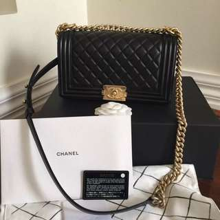 Like New Chanel Boy Medium Bag Sold Out In Store Come With Chanel Receipt