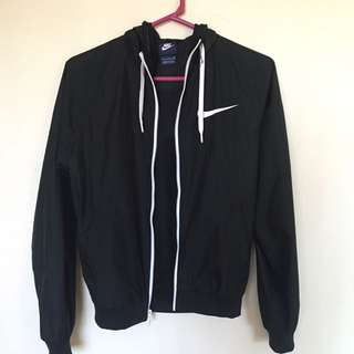 ON HOLD* NIKE WOMENS WINDRUNNER