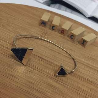 原石c字手環