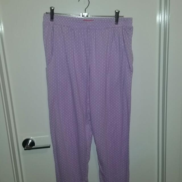 2 Pairs Of Jeanie Pants Size 16