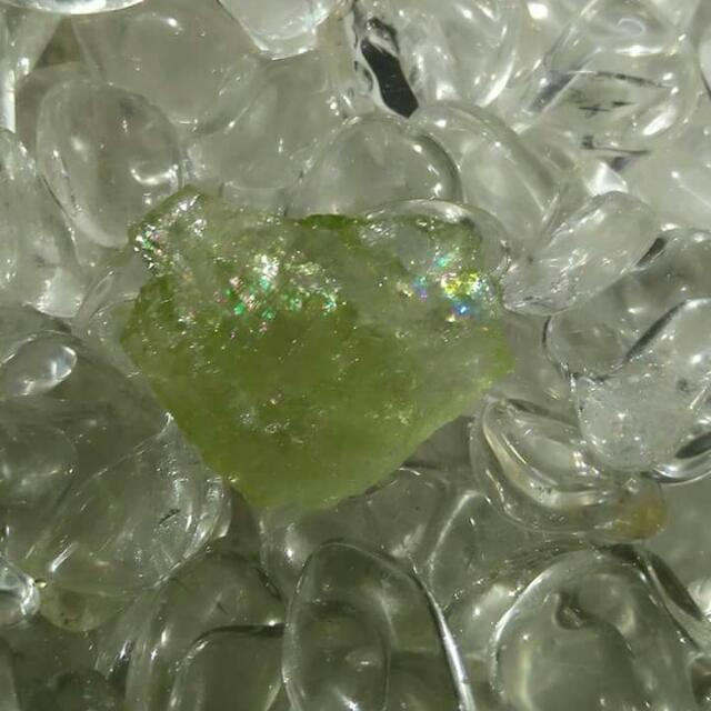(保留)金綠柱石原礦墜子« 水晶、礦石、瑪瑙、半寶石 »