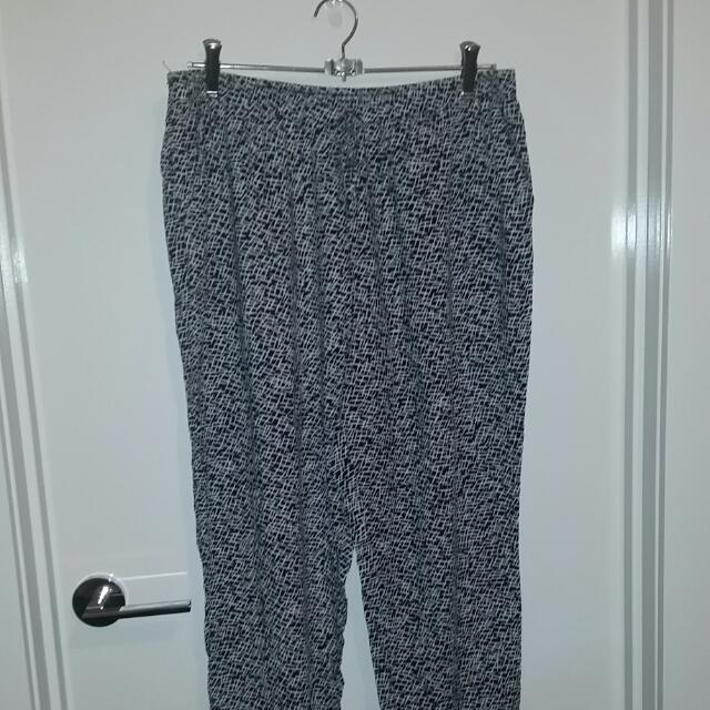 Black And White Patterned Jeanie Pants Target Size 16