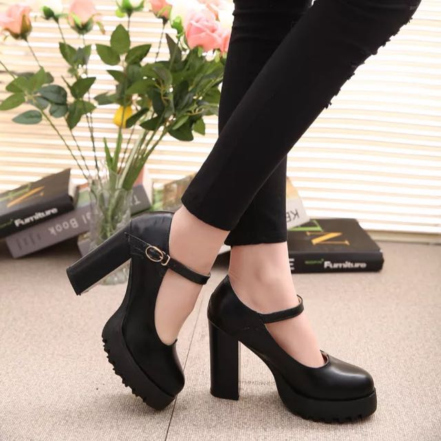 BRAND NEW Comfy Black Platform Heels