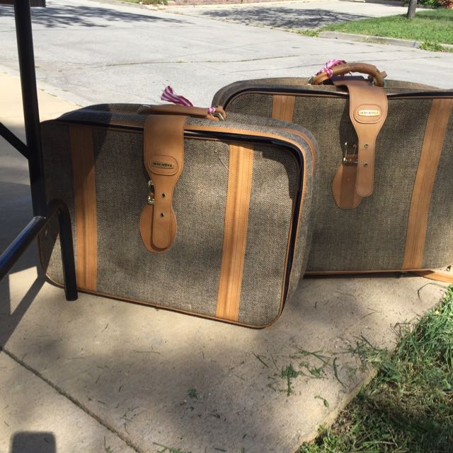 Fifth Avenue Luggage 10$