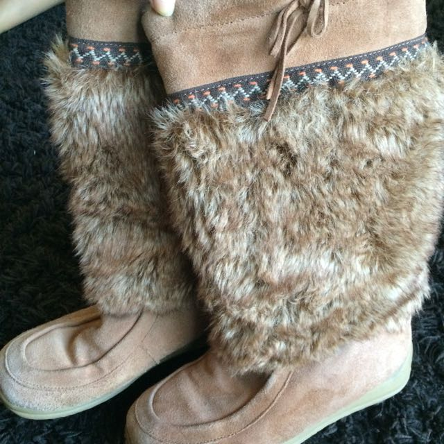 Flurries Sheepskin Boots