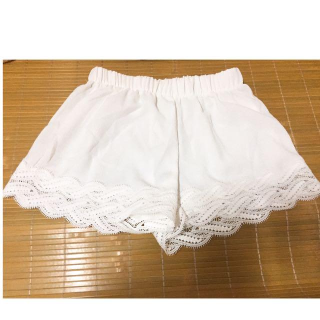 ✨FREE✨白色 安全褲 內搭短褲