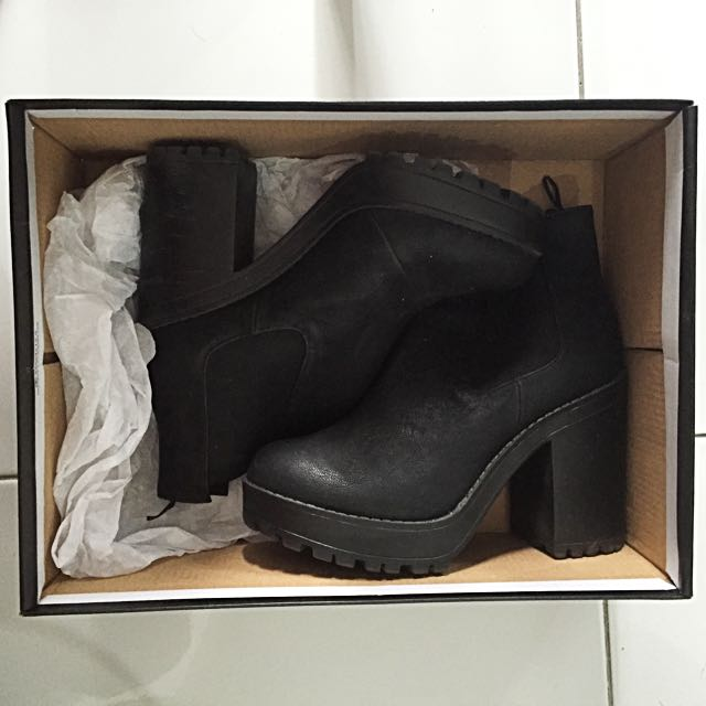 H&M Size 7 Boots