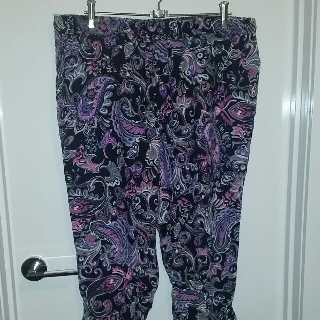 Patterned Millers 3 Quaters Size 16