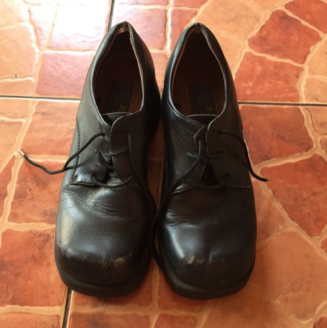☝🏼️FREE Shipping!!!  Preloved Rusty Lopez Shoes (Very Durable)