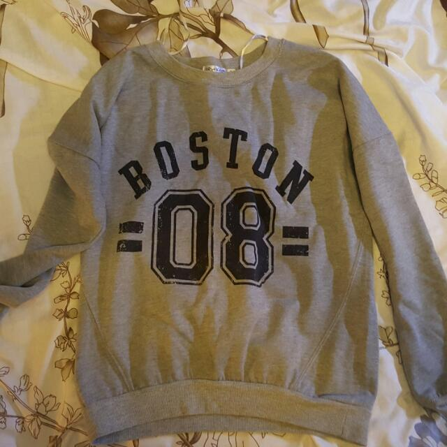 Size S Grey Boston Jumper