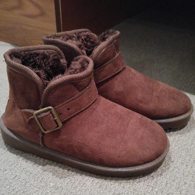 Warm Boot Indoor Or Outdoor