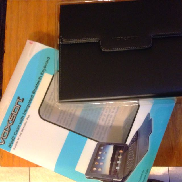 woxson IPadcase2 with integral bluetooth keyboard