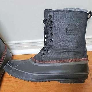 Men's Winter Boots. Size 9.5